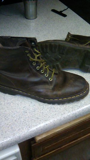 DR. MARTENS BOOTS for Sale in San Diego, CA