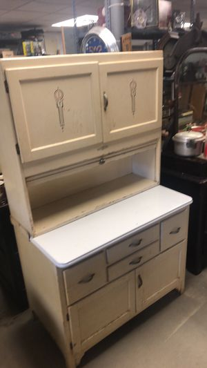 Antique Hoosier cabinet for Sale in Butler, PA