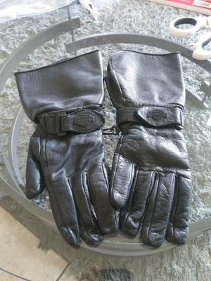 Sports & outdoors..Motorcycle Apparel & Gear Women's motorcycle leather Gloves.size XS for Sale in Lincoln Acres, CA