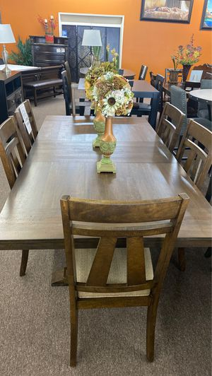 9 pc dining table for Sale in Fresno, CA