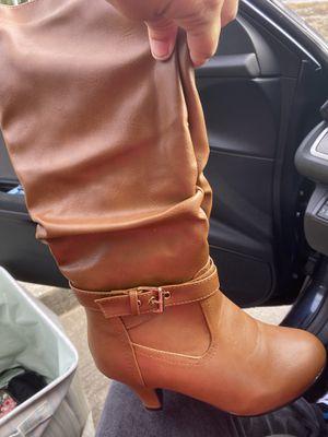 Pretty well conditione boots for Sale in Saint Amant, LA