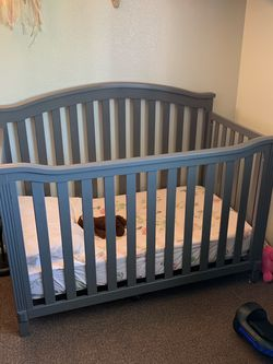 Crib With Mattress for Sale in Fremont,  CA