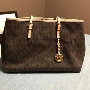Michael Kors purse for Sale in Missouri City, TX