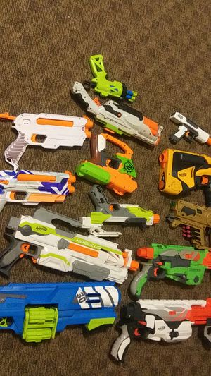 13 Nerf guns with accessories and some ammo. Some have been modified. for Sale in Knoxville, TN