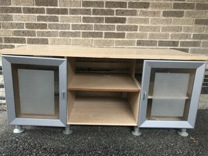 Free TV stand entertainment center for Sale in Skokie, IL