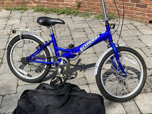 Schwinn folding bike with bag excellent condition for Sale in Gambrills, MD
