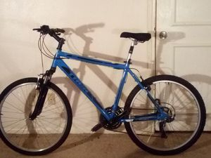 "26"" TREK Mountain Bike for Sale in Spring, TX"