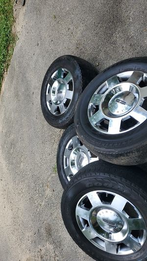 Lincoln Tires with Rims for Sale in Greenbelt, MD