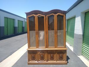 Shabby chic China cabinet for Sale in Palmdale, CA