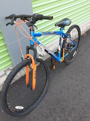 Mountain bike for Sale in Manchester, CT