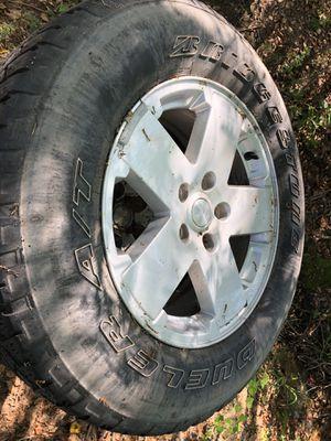 Bridgestone Dueler A/T 255/70 R18 tires for Sale in Bonifay, FL