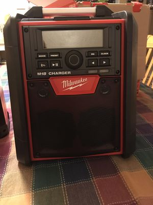Milwaukee jobsite radio and charger for Sale in Colton, CA