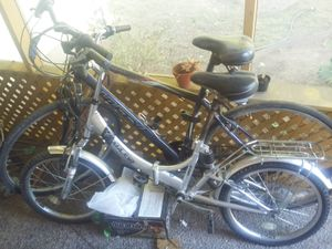Two bikes one folding and one hybrid (road/mountain) for Sale in Vienna, WV