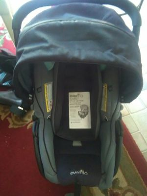 Evenflo Safemax Boys car seat for Sale in Grand Blanc, MI