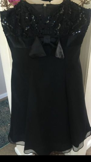 Misses Eve special occasion short designer black dress thin straps zip back sequin top layered chiffon bottom size 8/10 for Sale in Northfield, OH
