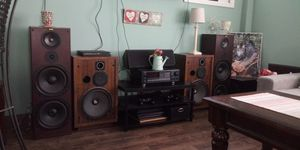 Onkyo surround reciever and cerwin vega 12s recently reconed. Controls on rear. for Sale in Cleveland, OH