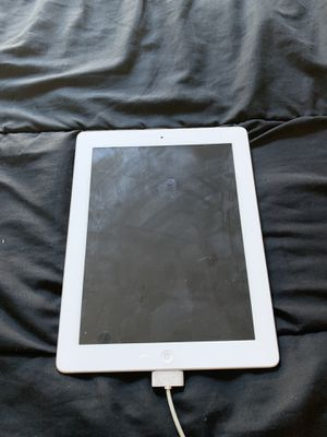 iPad 32 gb and MacBook Pro for sell for parts for Sale in Pomona, CA