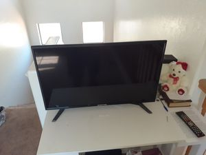 GREAT TV NEEDS NEW HOME! GREAT PRICE.. Sceptre 32 inch TV with remote for Sale in Mesa, AZ
