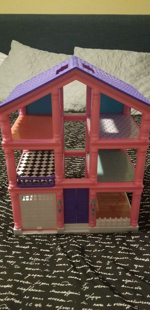 Doll house for Sale in San Bernardino, CA