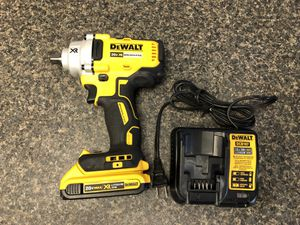 """Dewalt DCF894 20 Volt 3 - Speed Brushless ½"""" Impact Wrench With 1 - 2 Ah Battery & Charger 10012637-1 for Sale in Tampa, FL"""