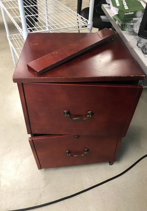 Broken file cabinet but fixable for Sale in Key Biscayne, FL