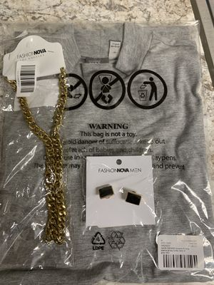 Shirt, cufflinks and gold chain for Sale in Castro Valley, CA