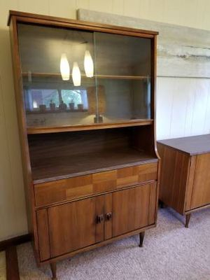 Mid Century Modern China Cabinet for Sale in St. Louis, MO