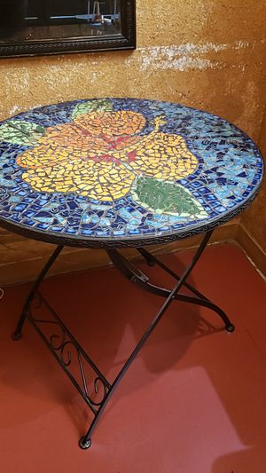 Small mosaic table for Sale in Ontario, CA