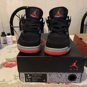 Bred 4s Og All Wit Reciept Size 9 for Sale in Richmond, CA