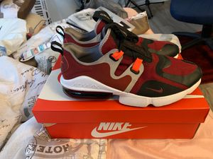 Nike AirMax Infinity for Sale in Pembroke Pines, FL