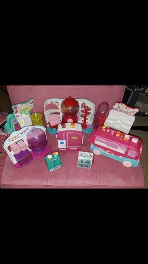 6 shopkins sets includes 10 shopkins for Sale in Spring Hill, FL