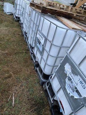 275 gallon totes for Sale in Enumclaw, WA