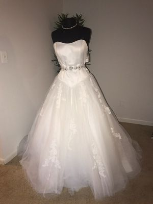 Wedding Dress for Sale in Columbia, MD