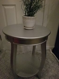 Accent Table for Sale in Lynnwood,  WA
