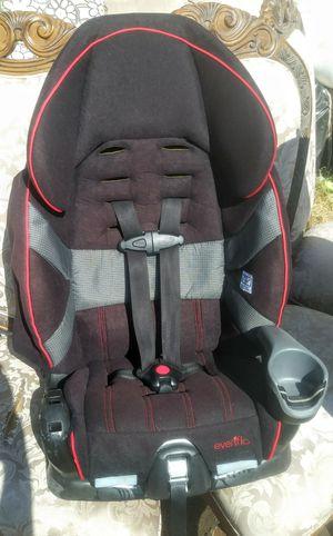 (Black, gray, red trim) graco car seat for Sale in Phoenix, AZ
