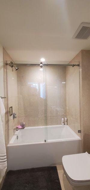 Sliding showers doors for Sale in Doral, FL