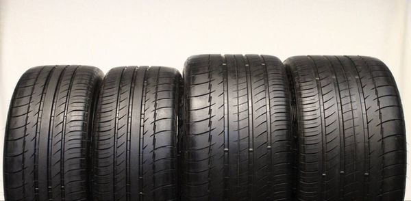 Michelin Pilot Sport staggered set of tires size 18