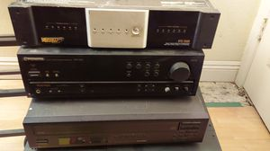 Monster Cable power conditioner Pioneer receiver vsx 305 Yamaha CDC 60 CD changer for Sale in Phoenix, AZ