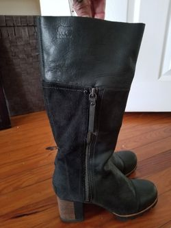 Sorel Women's Knee-high Black Leather & Suede Lug Sole Heeled Boot Sz 6 (EU 37) for Sale in Bryn Mawr,  PA