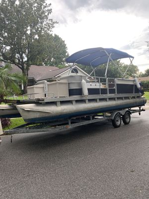 24 foot pontoon, trailer and motor for Sale in Summerfield, FL