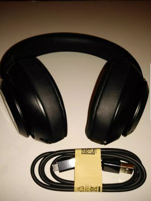 Good Condition Beats Studio 3 Wireless for Sale in Norco, CA