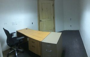 Office desk with chair & file cabinet for Sale in Phoenix, AZ