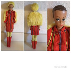 Vintage 1963 Queen Barbie #879 with outfit for Sale in Cape Coral, FL