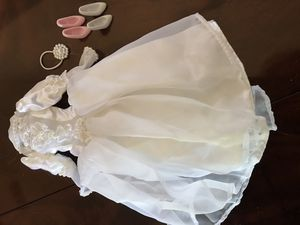 Vintage 90's Barbie Wedding Dress with Veil and Shoes for Sale in Alta Loma, CA