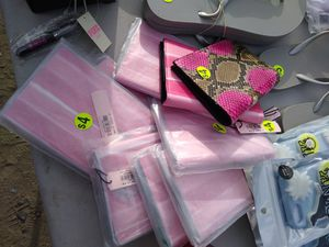 Victoria secret pink $4 passport money holder pickup only for Sale in Modesto, CA