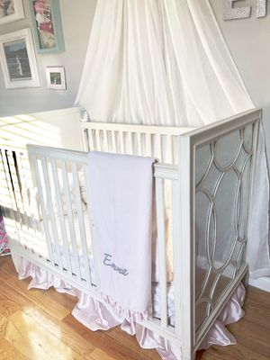 Baby crib for Sale in Bronx, NY