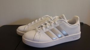 Adidas Grand Court Women's Shoe Size 6 for Sale in Cupertino, CA