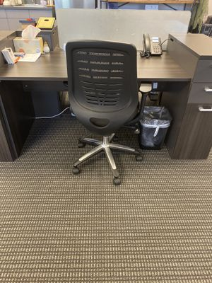 Work desk w drawers / work station for Sale in Brea, CA