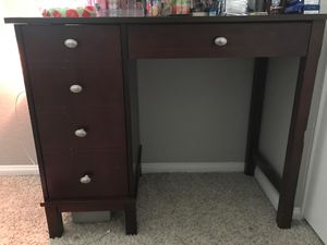 Vanity for makeup for Sale in Rancho Cucamonga, CA