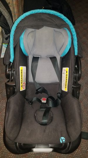 Baby trend secure snap tech 35- chambray carseat w base for Sale in Pleasant Hill, IA